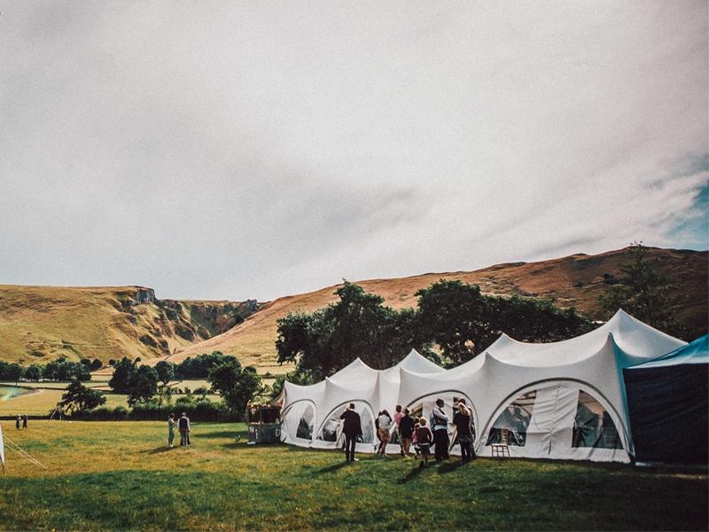 002_Castleton_Wedding_Marquee_Mam_Tor_800_600